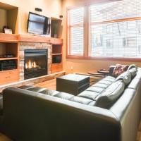 Slalom Creek 2 Bedroom Premium Condo- with discounted Lift tickets!