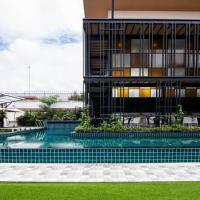 Blue Lagoon Hotel, hotel in Chiang Rai