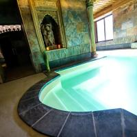 Hotel et Spa Le Lion d'Or, hôtel à Pont-l'Évêque