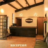 Hotel Girija, hotel in Khandala