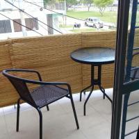 Privé - Departamentos privados - Sobre Avenida Gutnisky, a metros del Casino., hotel in Formosa