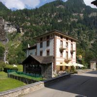Hotel La Cascata, hotel a Rossa