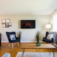 Modern Scandinavian Home - 5 Mins to West Edmonton Mall - Complementary Netflix and Parking!