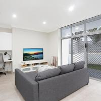 New 2 bedroom Apartment for 7 People, hotel in Penrith