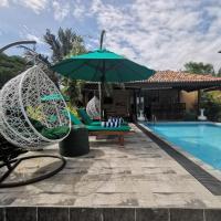 Nature Cabanas & Floating Restaurant, отель в Галле