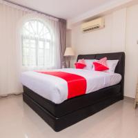 OYO 1771 Zeke Hotel, hotel in Batam Center