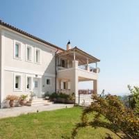 Villa Sunny, хотел в Achladies