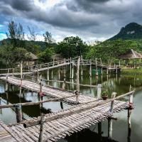 Numpu Baandin, hotel in Sam Roi Yot