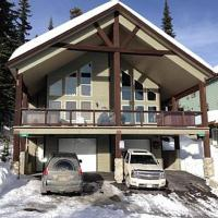 Large Dog Friendly Chalet with Private Hot Tub