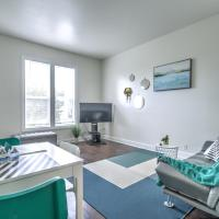 Beautiful 2 BR Apartment Walking Distance From Downtown