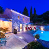 Holiday Home Marina - private swimming pool