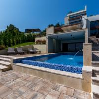 Villa AltaVista - Seaview & Relax with Private MiniGolf & Heated Pool