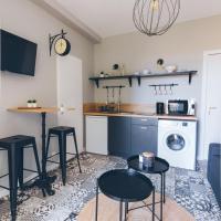 SejourPoitiers ★ Studio ★ 300m de la gare et accès direct au coeur historique, hotel near Poitiers-Biard Airport - PIS, Poitiers