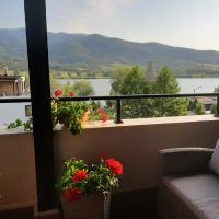 Studio Pravets Residence with beautiful lake view, hotel in Pravets
