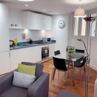 Luxury City View 2Bed BroadStreet Apartment with Self-Checkin