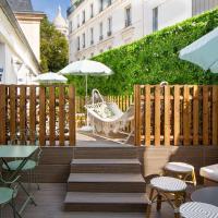 Le Village Montmartre by Hiphophostels