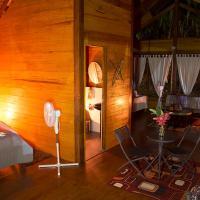 Amazon Planet, hotel in Tambopata