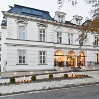 Red Baron Hotel & Restaurant, отель в Свиднице