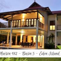 Luxury Maison, hotel in Eden Island