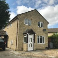 The Conifers - lovely family home in Witney