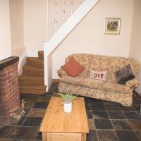 Cobbold Row Cottage, Fully Equipped Property Near Framlingham, The Perfect Place to Stay