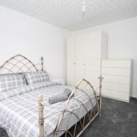 Large 3 Bedroom Top Floor Apartment-Flat in Crouch End