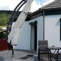 VivaNatura Eifelferienhaus, hotel in Einruhr