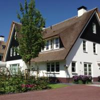 Cosy villa close to the Dunes of Soest, close to Utrecht and railwaystation, hotel in Soest