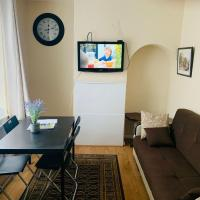 Lovely Holiday Apartments KIDS STAY FREE, hotel in Bromley