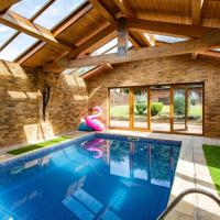 Detached House with Indoor Swimming Pool and Sauna