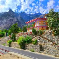 Hikal Guest House, hotel in Hunza