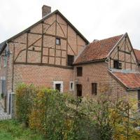 Beautiful Cottage by the Forest in Limburg