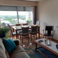 Hermoso Apartamento En el Centro de Salto, hotel in Salto