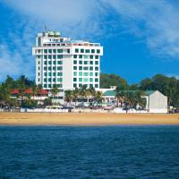 The Quilon Beach Hotel and Convention Center, hotel in Kollam