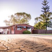 The Bothy Lancelin Family Retreat, hotel in Lancelin
