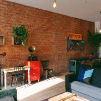 130sqm appartment with 20sqm terras and free parking, hotel in Borgerhout, Antwerp