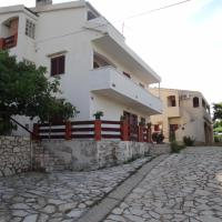 Apartments Paro, hotel in Pag
