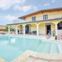 Beautiful home in Torre di P.Mondrag. CE w/ Outdoor swimming pool, 5 Bedrooms and Outdoor swimming pool