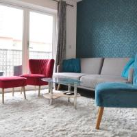 Modern 2 Bedroom East London Apartment With Balcony