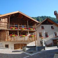 Chalet Tobià, hotel in Canazei
