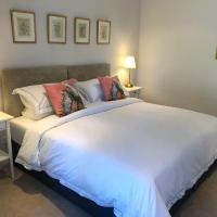 The View Cottage - Tennis Court - Nr Frome, Longleat, hotel in Frome