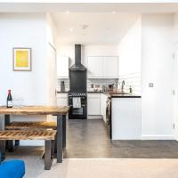 Stylish & Contemporary High Spec Flat with Parking