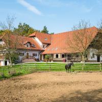 APARTMENT ZYNGA - STUD FARM, hotel in Šentvid pri Stični