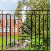 Trent Bridge 5* Garden Apartment with Free Parking
