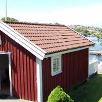 Holiday home in Rönnäng 1, hotel in Rönnäng