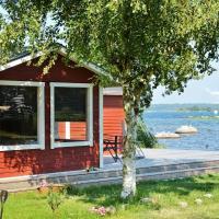 Holiday Home Björkemöllavägen III, hotel in Björkenäs