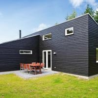 Four-Bedroom Holiday home in Blåvand 33