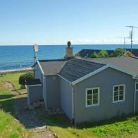 Three-Bedroom Holiday home in Allinge 9
