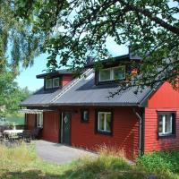 Two-Bedroom Holiday home in Nynäshamn, hotel in Svärdsund