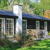 Two-Bedroom Holiday home in Hornbæk 2